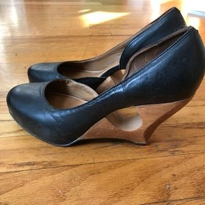 Anthro Schuler & Sons black leather w/ wood heel